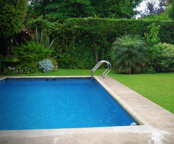 How to maintain a swimming pool