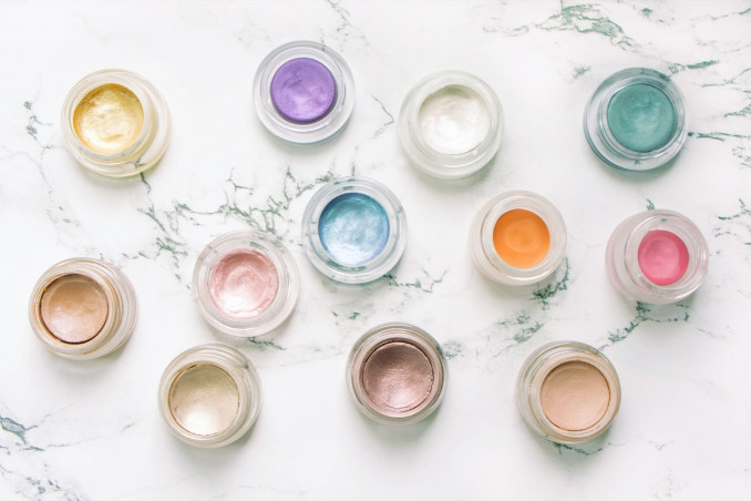 How To Easily Make Liquid Eyeshadow At Home