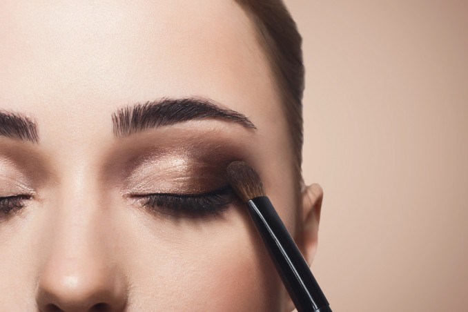 Eye Makeup: 4 Ways To Achieve A Young Look