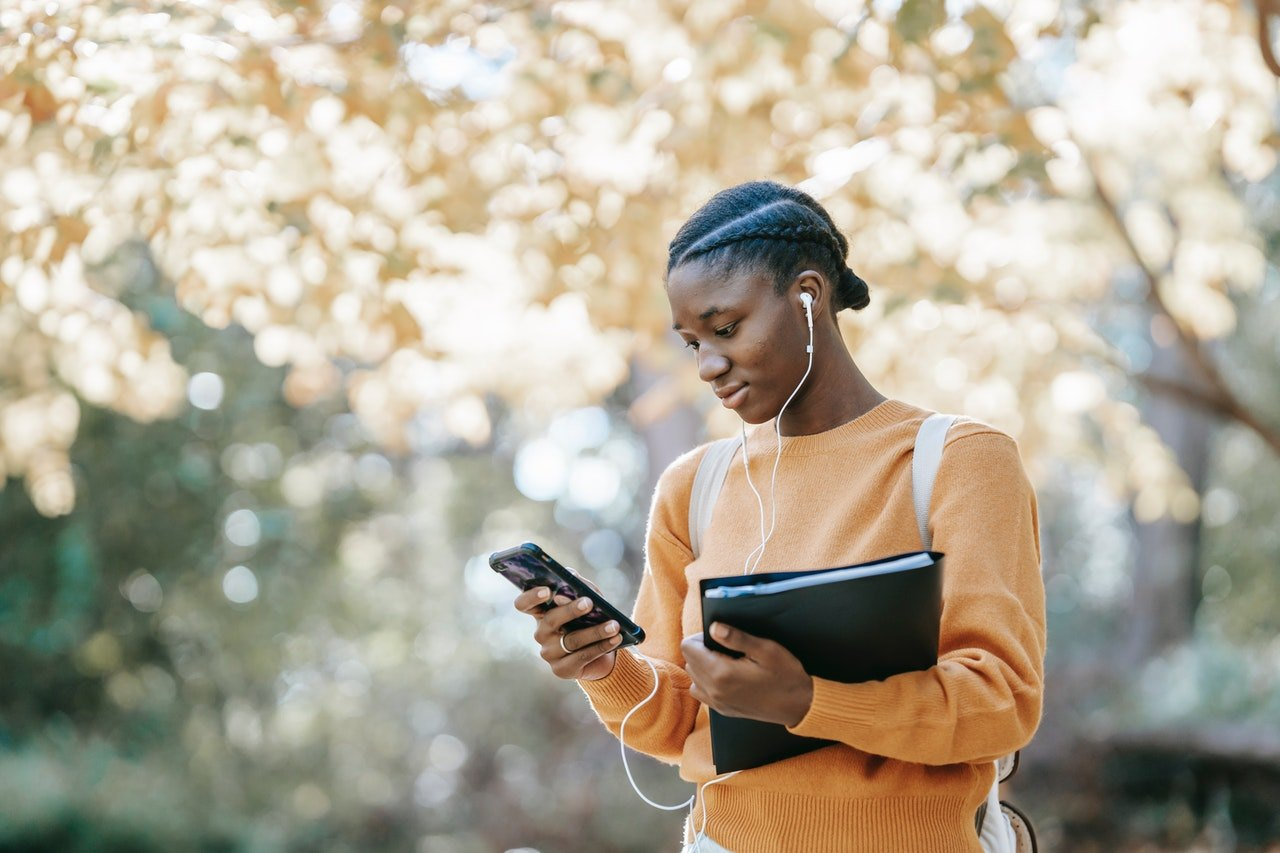 Scholly App - The App that Simplifies the Search for Scholarships
